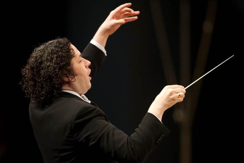 Gustavo Dudamel dedicó el concierto en Notre-Dame de París a Claudio Abbado.