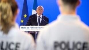 Choisir un remplaçant à Gérard Collomb au ministère de l'Intérieur est un délicat casse-tête pour l'exécutif.