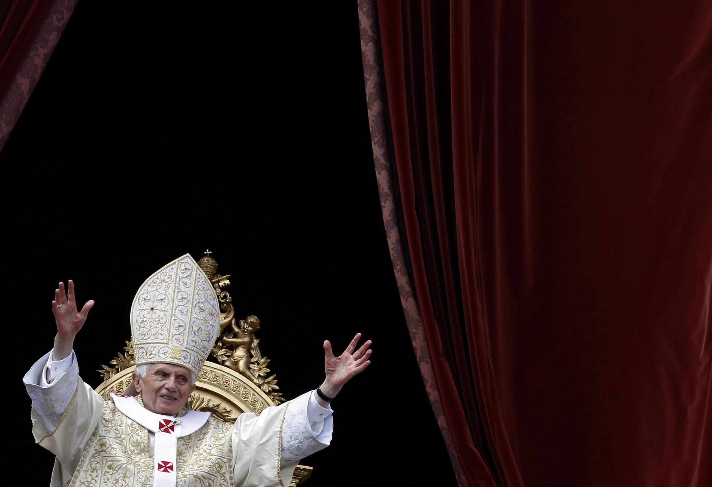 Папа римский Бенедикт XVI 8 апреля 2012.