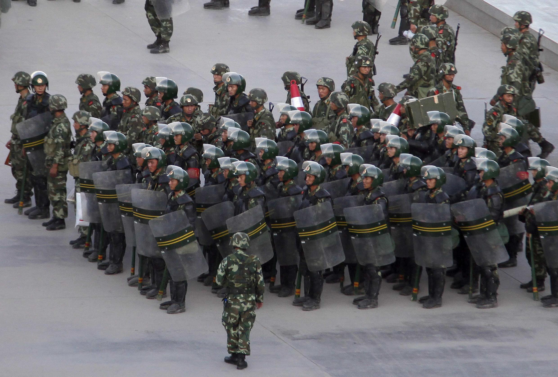 Công an võ trang được triển khai tại thành phố Kashgar, vùng Tân Cương. Ảnh tư liệu chụp ngày 02/08/2011.