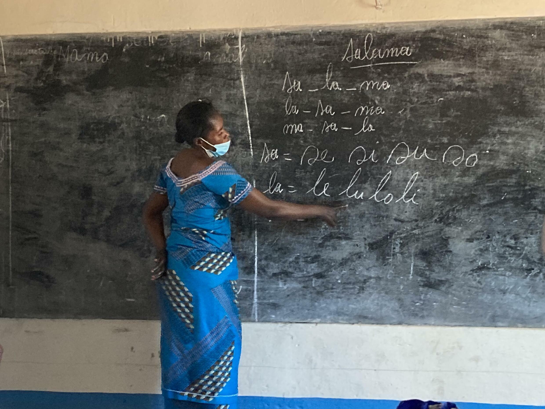 Josephine Yohari  women farmers at school DRC RDC