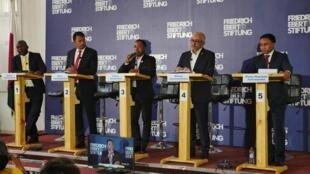 À l'Hôtel de ville d'Antananarivo, les cinq candidats à la mairie de la capitale s'affrontent lors d'un débat, à moins de deux semaines de l'élection, le 15 novembre 2019.