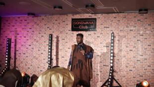 Boukary, l'humoriste ivoirien réputé pour sa maîtrise ironique du langage, à la 6e édition du festival Abidjan Capitale du Rire