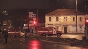 В заложниках в здании «Укрпочты»  находятся 11 человек, в том числе двое детей.