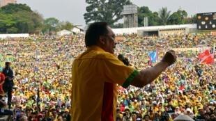 មេដឹកនាំបក្សប្រឆាំង Anwar Ibrahim កាលពីថ្ងៃ១២មករា នៅពហុកីឡាដ្ឋាន Kuala Lumpur