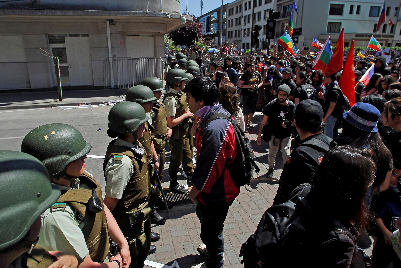 Pelo menos 19 pessoas morreram nos protestos no Chile, entre elas cinco policiais.