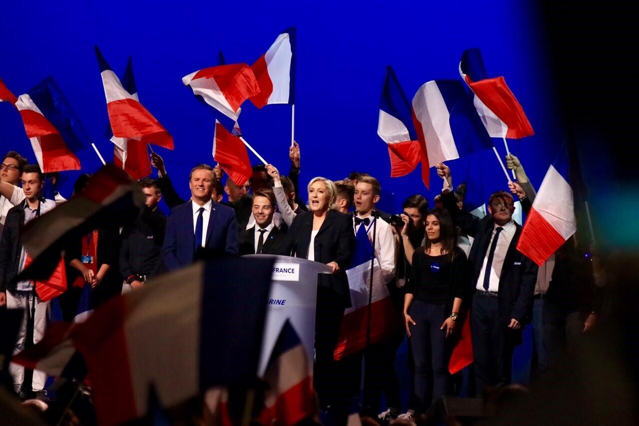 Марин Ле Пен провела 1 мая последний большой предвыборный митинг