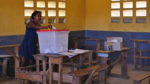 Madagascar - femme vote - Tuléar - présidentielle 2018