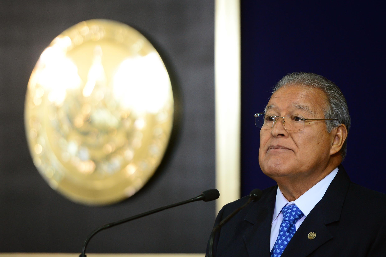 El ex presidente de El Salvador, Salvador Sánchez Cerén, esta bajo una orden de arresto tras ser acusado de malversación de fondos