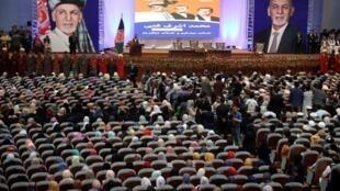 طالبان به مردم هشدار داده که در تجمعات و گردهماییهای انتخاباتی اشتراک نکنند، زیرا این تجمعات را هدف قرار خواهند داد.