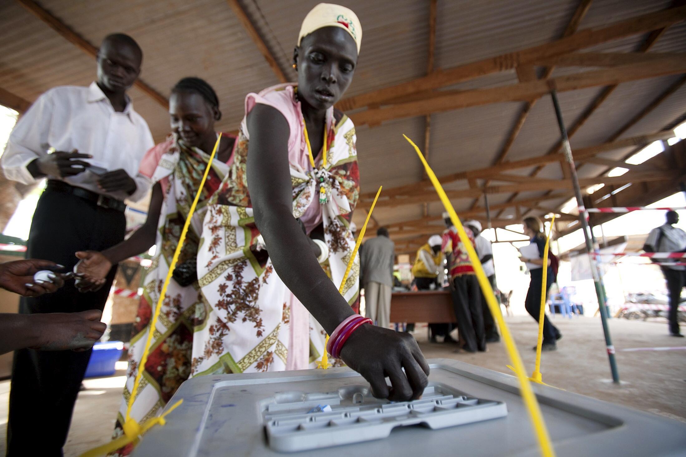 os sudaneses do sul durante o referendo de autodeterminação concluído a 15 de Janeiro de 2011