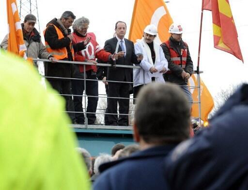 Le 24 février 2012, François Hollande, candidat PS à la présidentielle, est en déplacement à Florange. Plein de promesses...