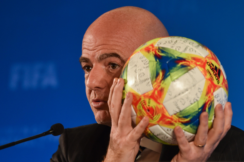 Платини не исключает, как сообщало AFP, что стал жертвой интриги своего бывшего заместителя в УЕФА Джанни Инфантино, желавшего убрать соперника на пути к руководству ФИФА.