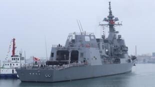 日本海上自卫队护卫舰凉月号抵达青岛