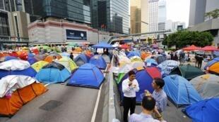 Les étudiants honkongais pro-démocratie ont installé des tentes au milieu de la chaussée. Photo du 24 octobre 2014.