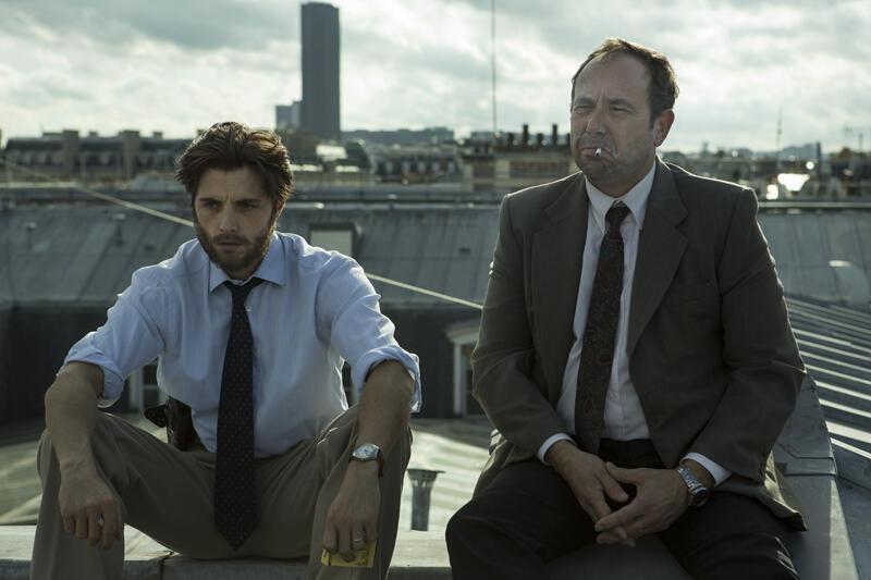 Les comédiens Raphaël Personnaz et Olivier Gourmet dans le film «L'affaire SK1» de Frédéric Tellier.
