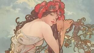 Картина «Лето» из серии «Времена года» Альфонса Мухи, на выставке в музее в Люксембургском саду