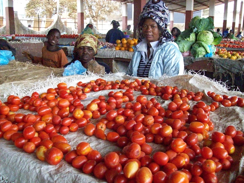 Mercado no interior de Moçambique