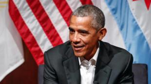 Barrack Obama ya yi fatar ganin Amurka ta koma cikin yarjejeniyar yanayi ta Paris don gogayya da sauran kasashen duniya.