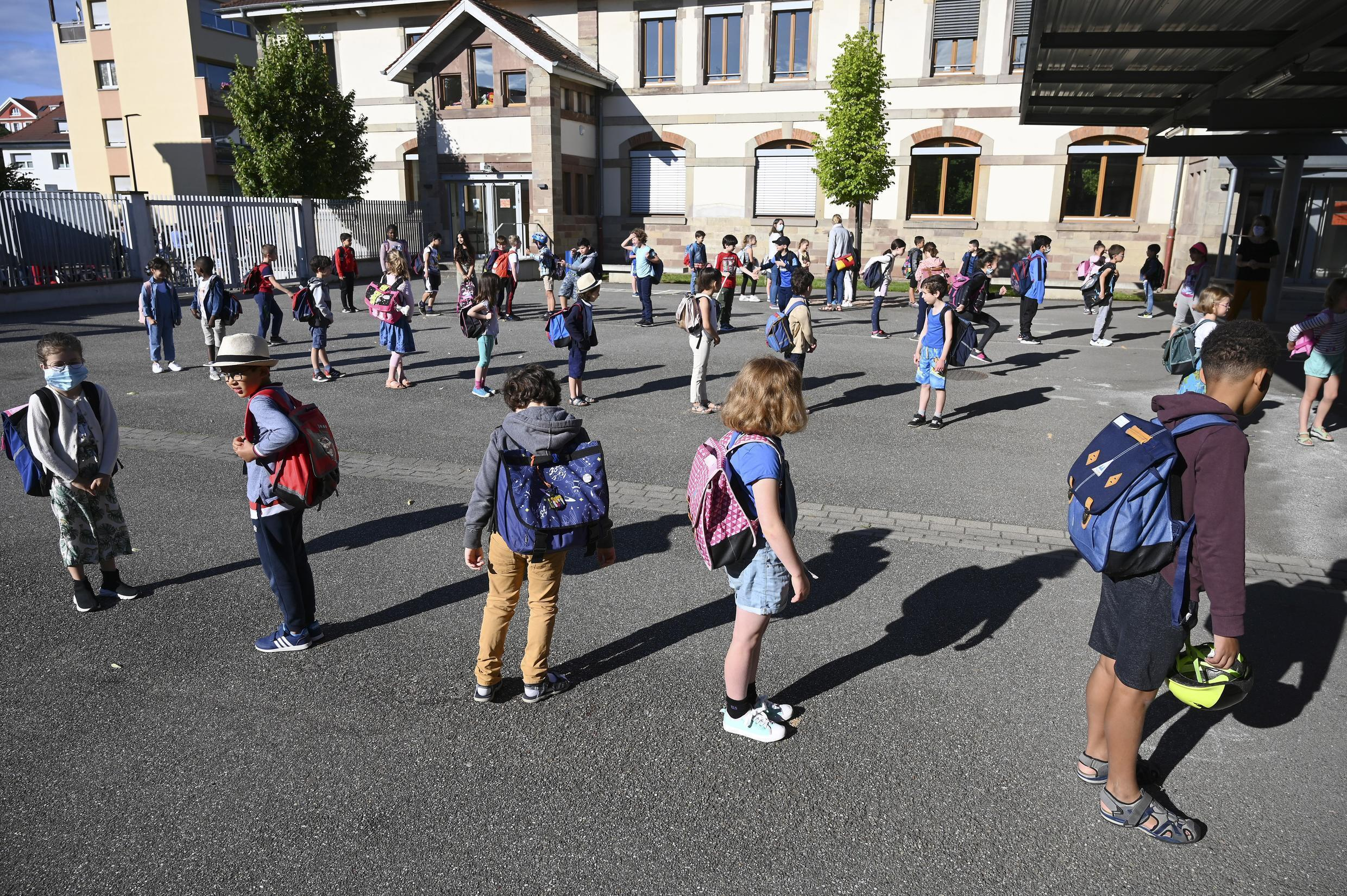 French children return to class on June 22, thanks to a lighter health protocol.
