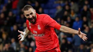 Karim Benzema du Real Madrid célèbre le troisième but contre l'Espanyol de Barcelone en Liga, le 27 janvier 2019.
