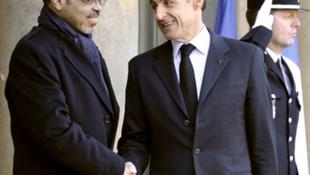 Le Premier ministre éthiopien, Meles Zenawi (g) et le président français, Nicolas Sarkozy, à l'Elysée, à Paris, le 15 décembre 2009.