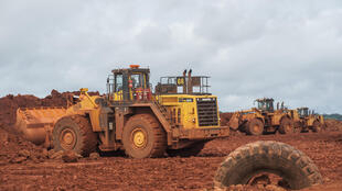Exploitation du bauxite à Sangaredi dans la région de Boké en septembre 2015. Depuis cette période, la Guinée est devenue un des premiers pays producteurs du minerai.