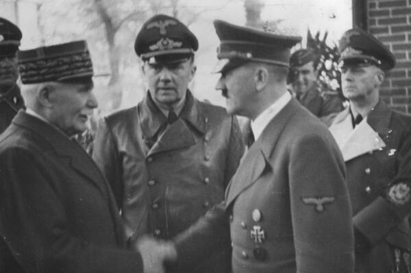 Adolf Hitler with French Vichy government leader Philippe Pétain in 1940