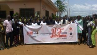 Le Club RFI Jeunesse positive.