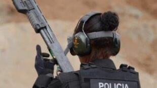 Agente do Grupo de Operações Tácticas (GOT) da Polícia Judiciária cabo-verdiana