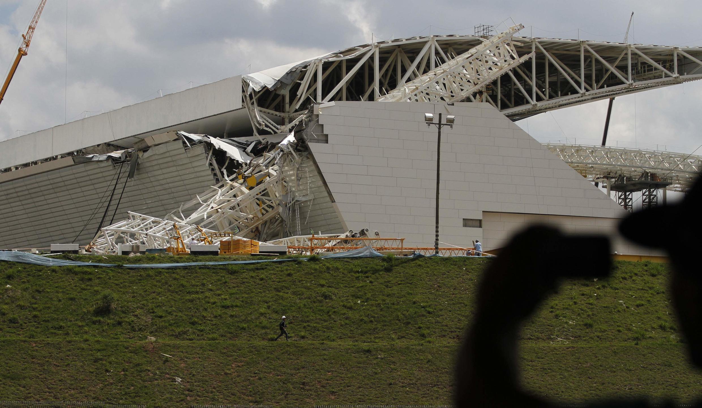 Sân vận động «Itaquerao» tại Sao Paulo sau tai nạn - REUTERS