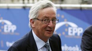 Jean-Claude Juncker , forte candidato à assumir a presidência da Comissão Europeia, chega para reunião em Bruxelas nesta terça-feira, 27 de maio de 2014.