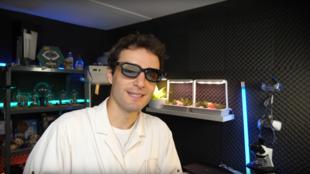 Dr. Nozman est un vulgarisateur star sur Youtube et fait des millions de vues avec ses vidéos.
