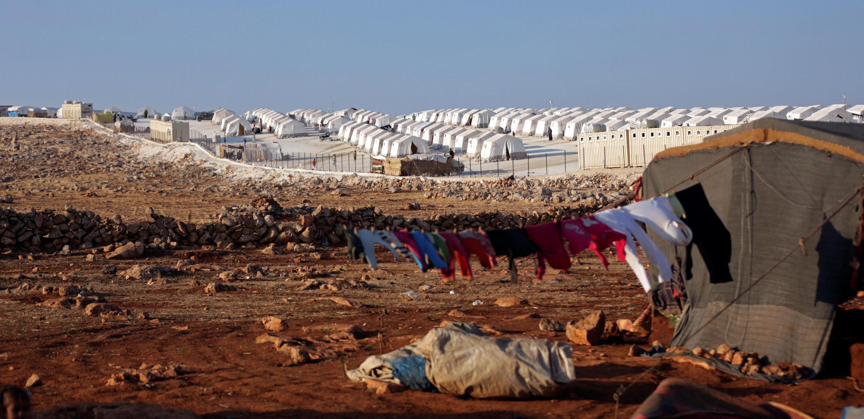 Idlib, na Síria: vilarejo de barracas para a população de refugiados