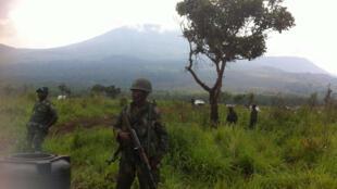 Askari wa DRC wakipiga doria katika hifadhi ya wanyama ya Virunga katika eneo la Mikeno.