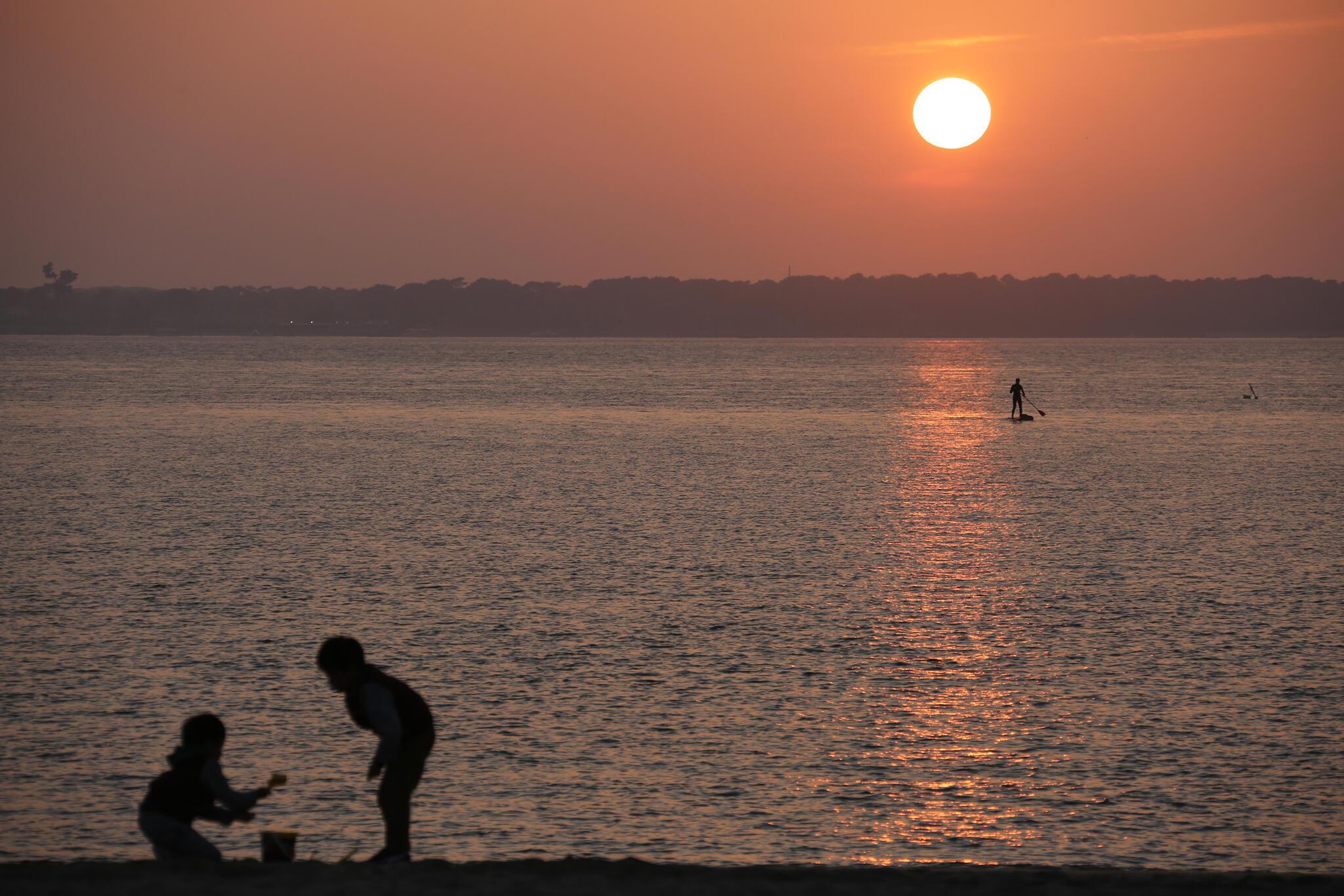 La plage du Cap Ferret s'érode alors que les touristes continuent à affluer dans la baie d'Arcachon.