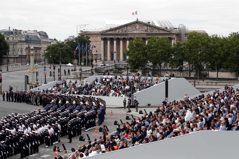 Национальный праздник Франции. Площадь Согласия в Париже 14 июля 2020.