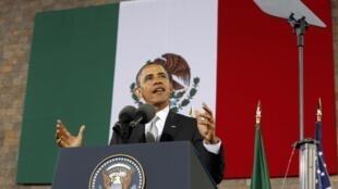 O presidente americano Barack Obama em visita à Cidade do México nesta sexta-feira.