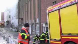 Пожарные на территории больничного комплекса, 9 февраля 2018.