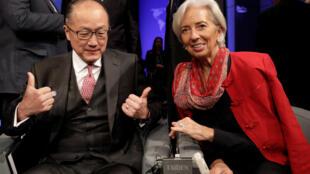 Lãnh đạo Ngân Hàng Thế Giới Jim Yong Kim (trái) và IMF bà Christine Lagarde tại khóa họp Mùa Xuân IMF-WB 2018. Ảnh ngày 21/04/2018