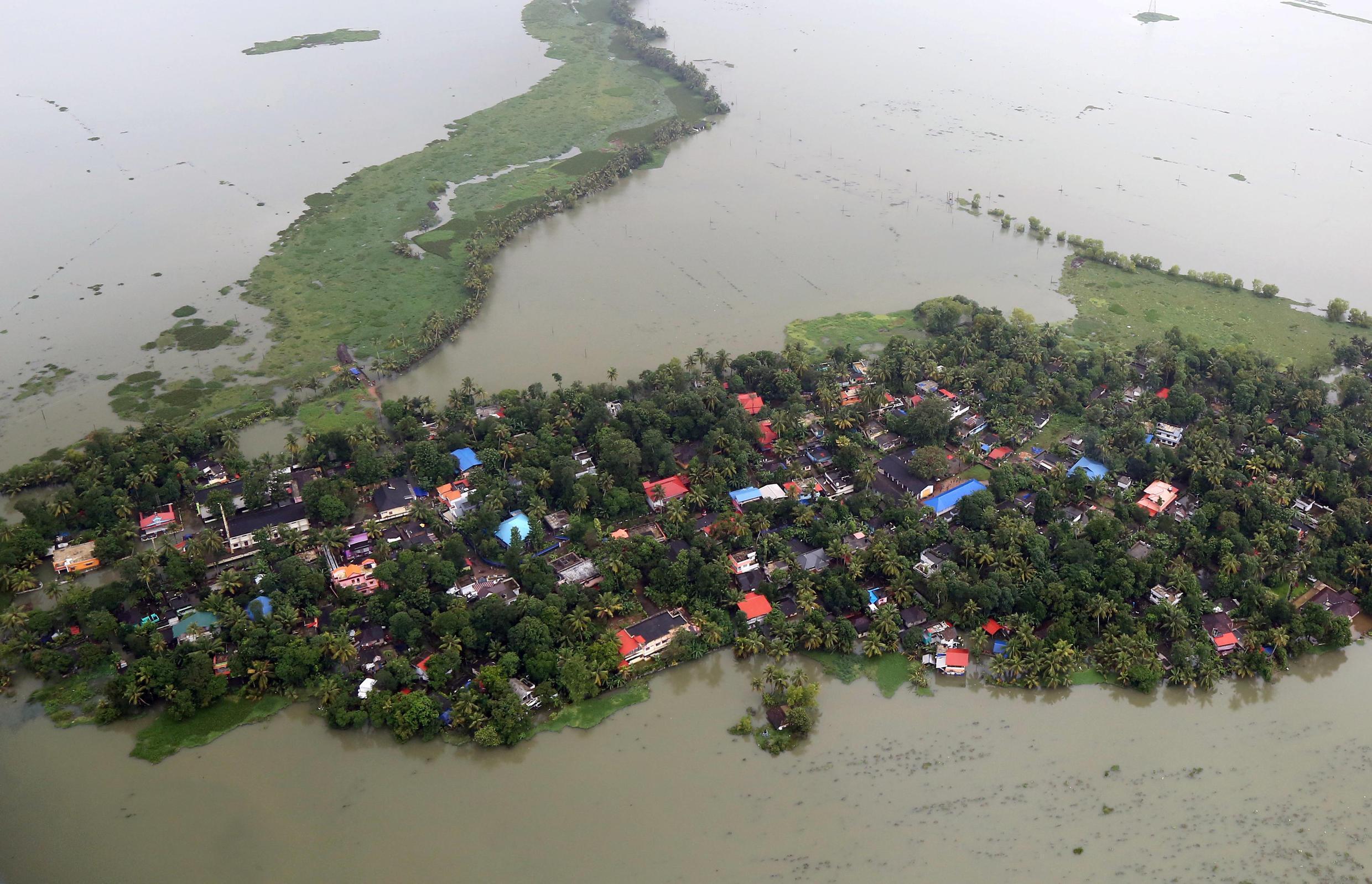Деревня в штате Керала, Индия, 19 августа 2018.