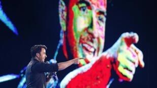 El cantante puertorriqueño Luis Fonsi durante su actuación en el festival, el 22 de febrero de 2015.