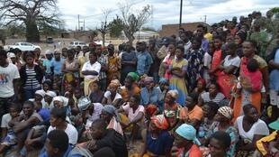 Reunião da comunidade de Bagamoio, em Moatize, para discutir problemas enfrentados pela exploração de carvão pela mineradora Vale, em Moçambique.