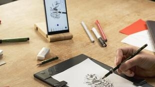 The Repaper tablet allows digitisation of paper drawings in real time.
