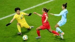 L'Américaine Mallory Pugh marque le 11ème but de la rencontre face à la Thaïlande lors de la Coupe du monde féminine, le 11 juin 2019, au stade Auguste-Dalaune à Reims, en France.