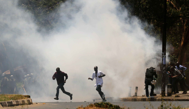Polisi walivyotumia mabomu ya kutoa machozi kuwasambaratisha waandamanaji wa upinzani nchini Kenya wiki hii Oktoba 6 2017