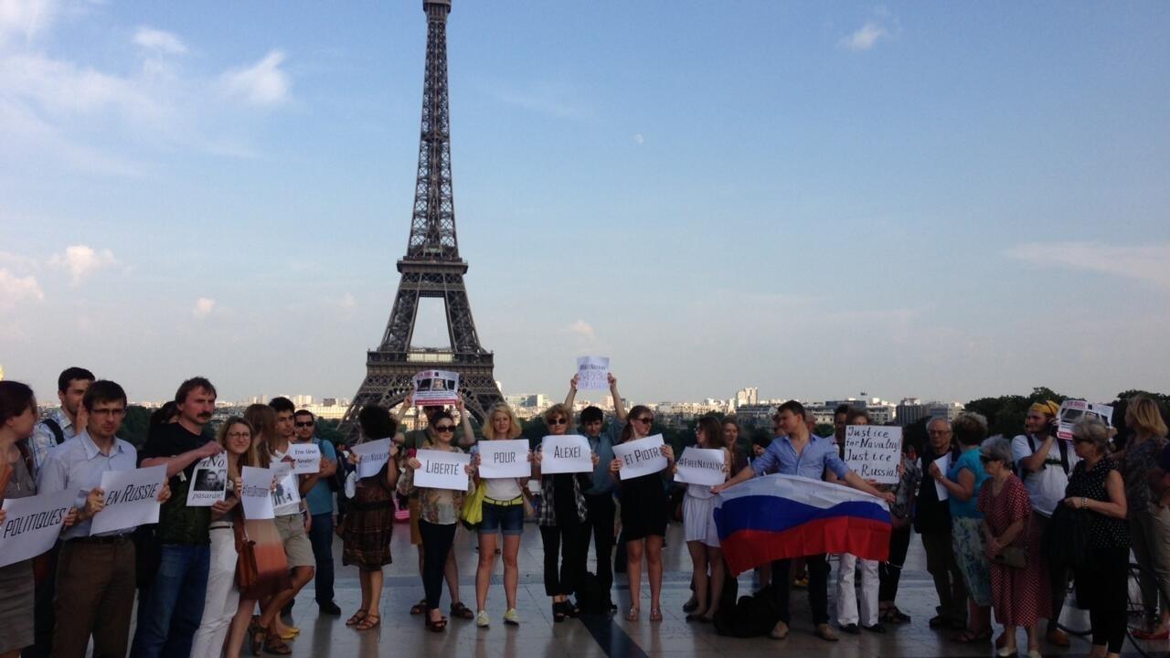 Французские обыватели жестко прошлись по Навальному