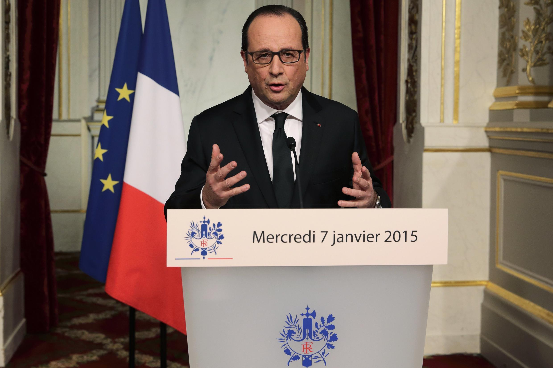 François Hollande decretou luto nacional durante pronunciamento.