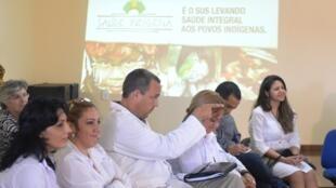 Les médecins cubains, ici au Brésil en 2013, sont envoyés un peu partout dans le monde par le régime castriste.