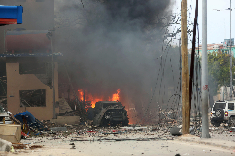 L'attaque contre l'hôtel Naasa Hablood de Mogadiscio a commencé par l'explosion d'une voiture piégée, samedi 25 juin 2016.